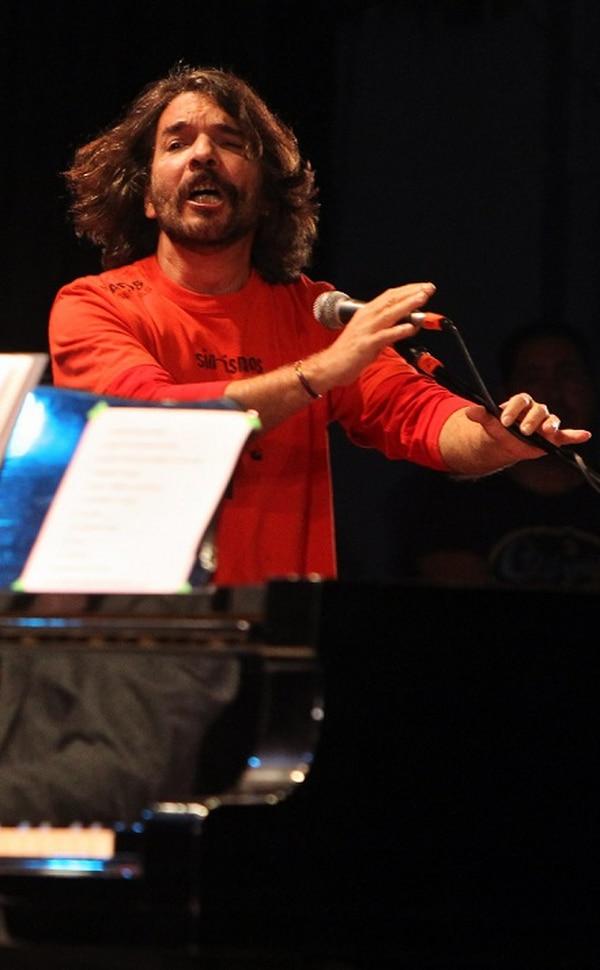 Santiago Feliú tenía previsto presentarse el próximo sábado en la Fábrica de Arte, un proyecto cultural inaugurado el martes en La Habana por el músico cubano X Alfonso.