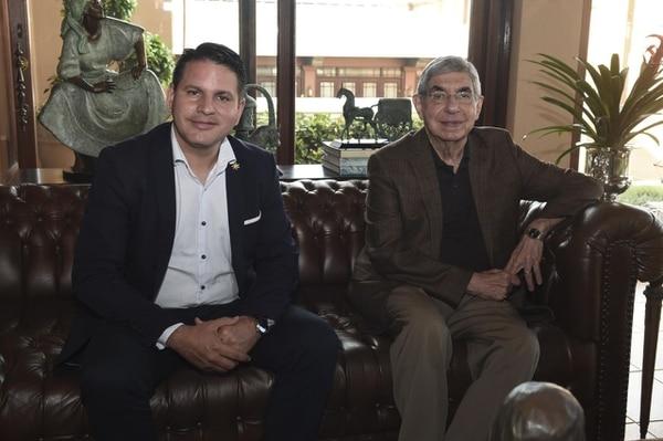 El candidato de Restauración Nacional, Fabricio Alvarado, se reunió con el expresidente Óscar Arias, en su casa en Rohrmoser.