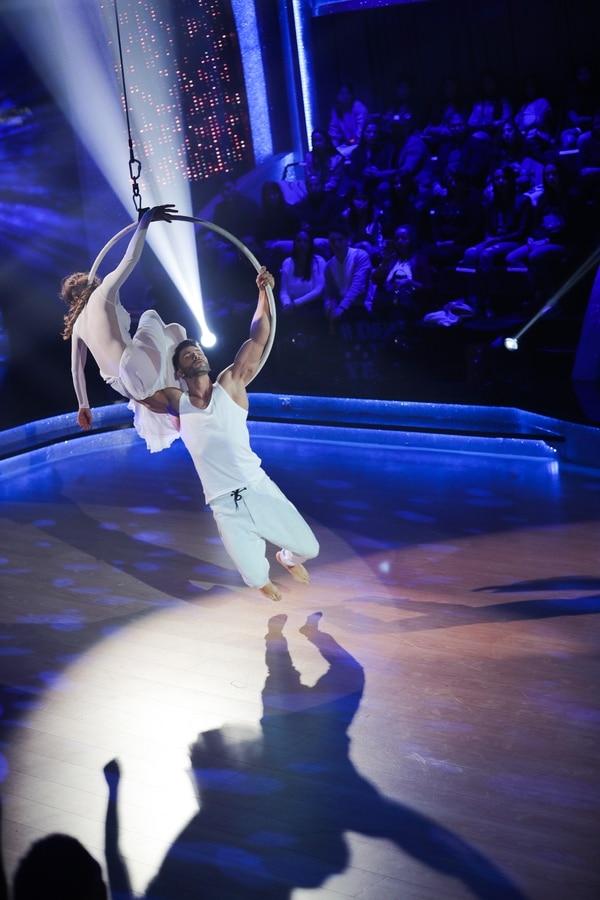 Daniel y Yessena innovaron con acrobacias. Fotos: Jeffrey Zamora