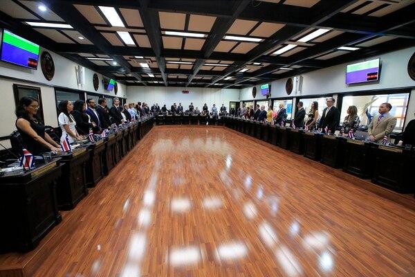 Actualmente, la Asamblea Legislativa tiene 57 diputados, que se eligen por listas cerradas que presentan los partidos políticos en cada provincia; una iniciativa plantea aumentarlos a 84, eligiendo la mitad por distritos electorales y, la otra mitad, por listas nacionales. Foto: Rafael Pacheco