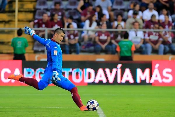 El guardameta de Saprissa Danny Carvajal es el capitán en este Torneo de Verano 2017, luego de regresar de la Selección. | RAFAEL PACHECO