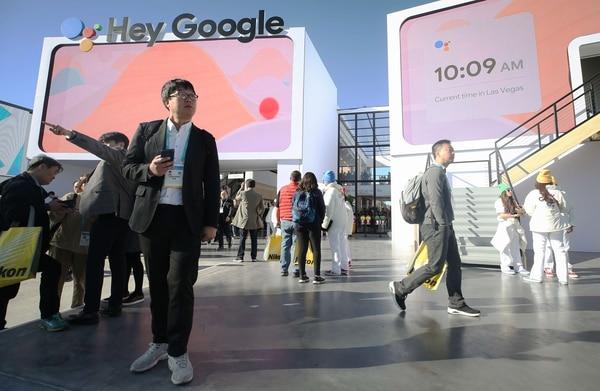Google anunció nuevos comandos de voz en su asistente inteligente para proteger la privacidad de los usuarios. Foto: Mario Tama/Getty Images/AFP