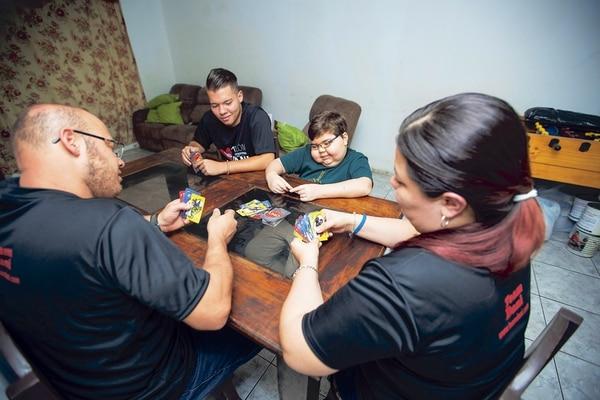 Alexánder León y Zaida Calvo junto a sus dos hijos, Kendall (de 16 años) y Daniel (de 11 años).