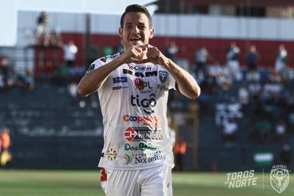 Juan Vicente Solís anotó uno de los dos goles con que San Carlos derrotó a Limón a domicilio. Fotografía: San Carlos
