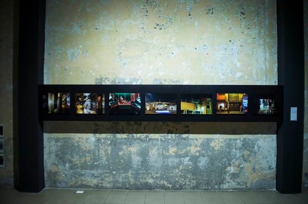Fotografías de Adrián Arias 'Llamada perdida': una secuencia de fotografía documental preocupada con la textura de la noche. Foto: Alejandro Gamboa Madrigal.