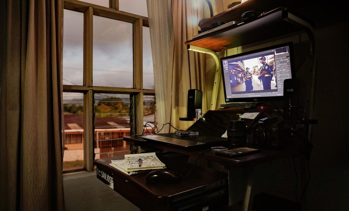 23/3/2020. San Isidro de Heredia. Ensayo fotográfico sobre lo que fotógrafos de La Nación miran a través de la ventana durante el teletrabajo. Foto: Jeffrey Zamora / La Nación