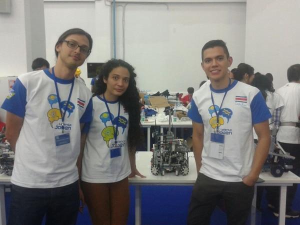 Wílliam Fallas, Laura Fonseca y Andrey Solano son alumnos de la Universidad de Costa Rica y representaron al país. | MICITT PARA LN