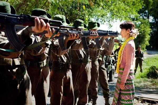 La actriz Michelle Yeoh se luce en filme que mezcla política, amor, acción y lo sentimental o melodrama. Película muy bien acogida por el público y con reservas por la crítica Cine Magaly para LNSentimientos.