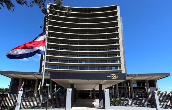 Edificio del Instituto Costarricense de Electricidad (ICE) en Sabana Norte en San José. Fotografía: Alonso Tenorio