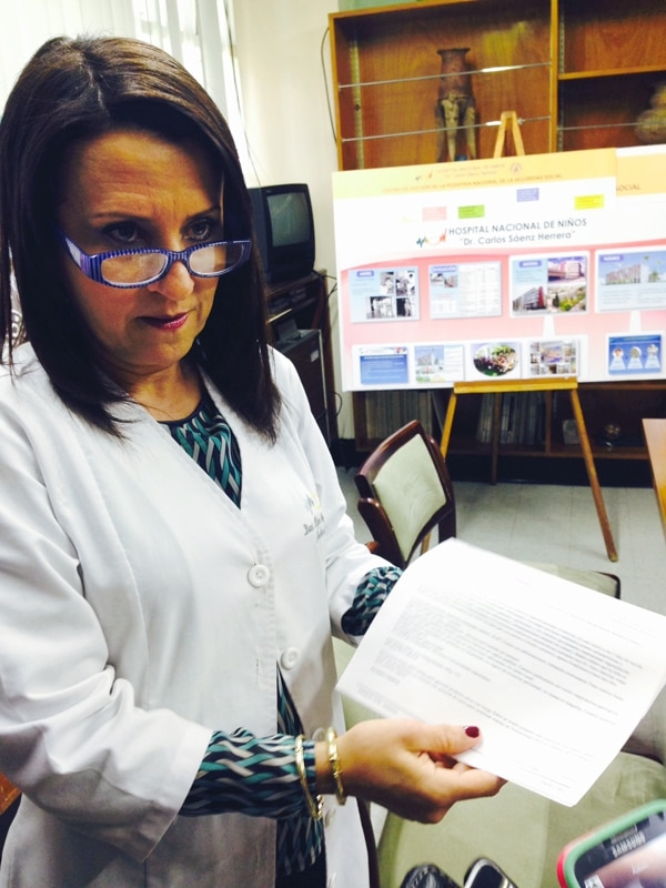 Olga Arguedas, directora del HNN, dijo que ese hospital nunca afirmó en un documento que la otra bebé desapareció. | ROCÍO SANDÍ