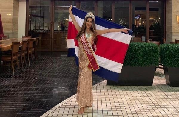 Fiorella Arbenz, de 26 años, es psicóloga y tiene experiencia en el modelaje. El 9 de octubre se convirtió en la cuarta finalista del Miss Asian Pacific International. Foto: Fiorella Arbenz para LN