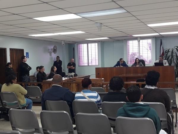Varios familiares de Flor Mayela Angulo escucharon con atención la acusación de la Fiscalía. Foto: Keyna Calderón