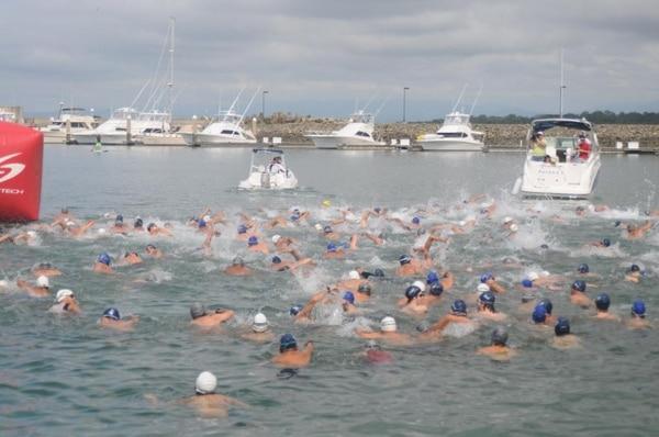 429 nadadores participaron en la última fecha del Circuito Nacional de Aguas Abiertas, en Quepos.