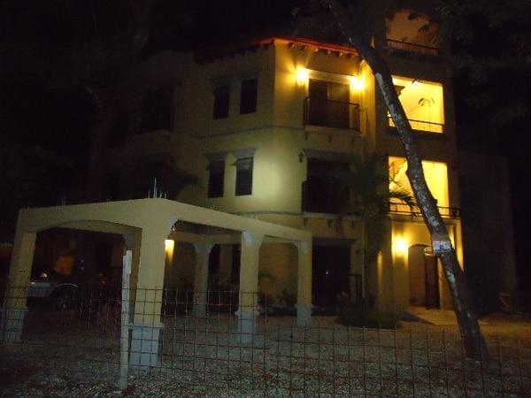 El cuerpo de la mujer se encontraba en el tercer piso.   CINTHYA BRAN GNN