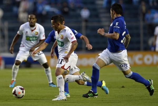 Herediano cayó ante Cruz Azul en el Estadio Azul, en México.