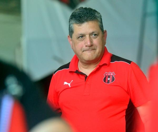 Raúl Pinto envío ayer un comunicado en el que aclaraba varios puntos del manejo financiero del club y atacaba a sus opositores. | ARCHIVO