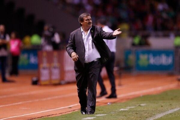 El empate 1-1 ante México salvó el rendimiento de Óscar Ramírez en eliminatoria