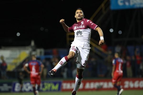 El atacante de Saprissa Jairo Arrieta acumula cuatro goles en el Torneo de Clausura 2019. Fotografía: John Durán.