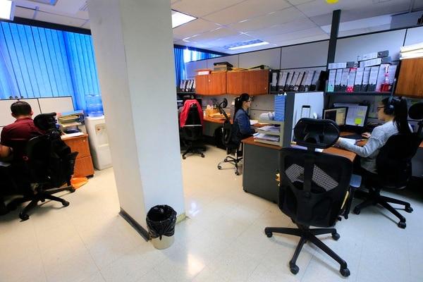 El Departamento de Análisis Estadístico se encarga de procesar los datos de matrículas que reportan las direcciones regionales, con base en informes de los directores de cada centro educativo. Foto: Rafael Pacheco