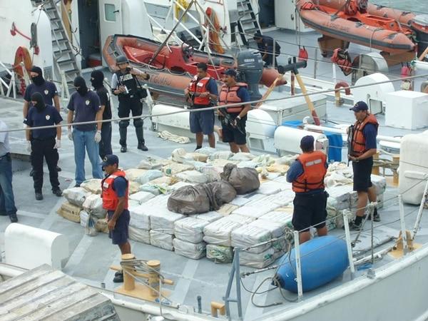 El 30 de junio de 2014 se encontraron 2.304 kilos en el barco Goliat I, el mayor decomiso en una embarcación tica. | ARCHIVO