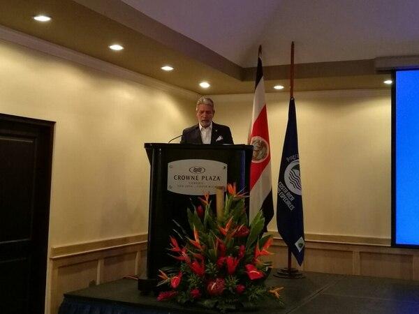 El ministro de Turismo, Mauricio Ventura, en la entrega de los reconocimientos CST.