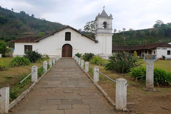 Infaltable visitar el Valle de Orosi y no pasar a la iglesia colonial, que a su lado también tiene el museo de arte religioso. Foto: Rafael Pacheco.