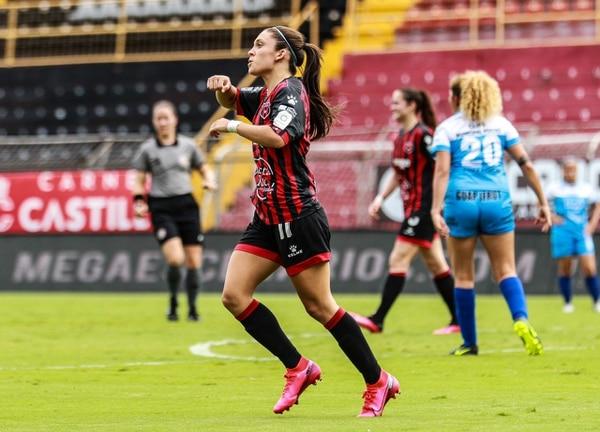 Priscila Chinchilla consiguió el primer gol de Alajuelense en el Torneo 2020. Fotografía: Rubén Murillo / Prensa Alajuelense