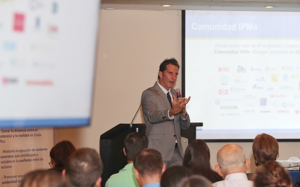 José Aguilar, director ejecutivo de la Asociación Horizonte Positivo, se encargó de presentar el proyecto este viernes en una actividad en el Hotel Corobicí. Foto John Durán