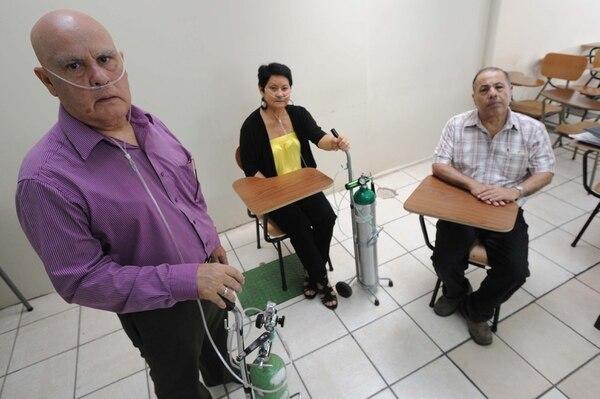Guillermo Peñaranda Montero (izq.) y Matilde Wachong Morera aguardan por un trasplante de pulmón, mientras Carlos Granados Calderón (der.) requiere de un hígado.