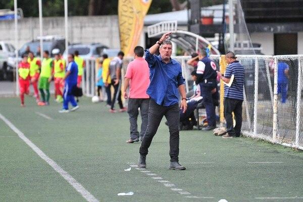 El argentino Hugo Viegas llegó en el Torneo de Clausura al Municipal Turrialba y lo metió a las semifinales.