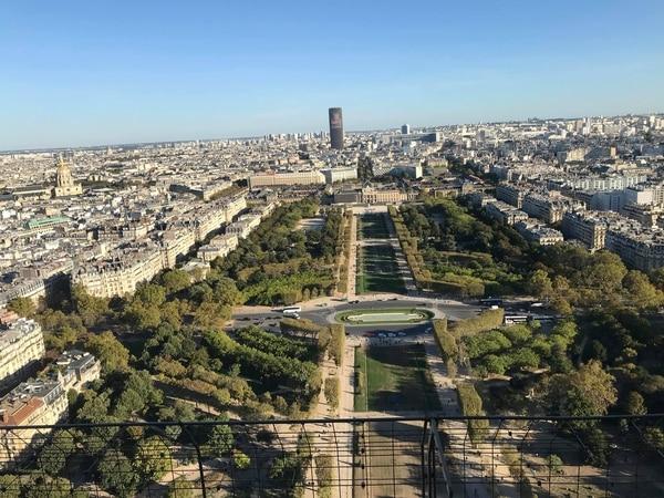 La vista del Champs de Mars desde la cima de la Torre Eiffel. Fotografía: Jairo Villegas S.