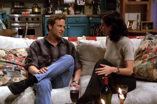 Stan Kirsch es recordado por su aparición en 'Friends' como un pretendiente de Mónica. Foto: WB.