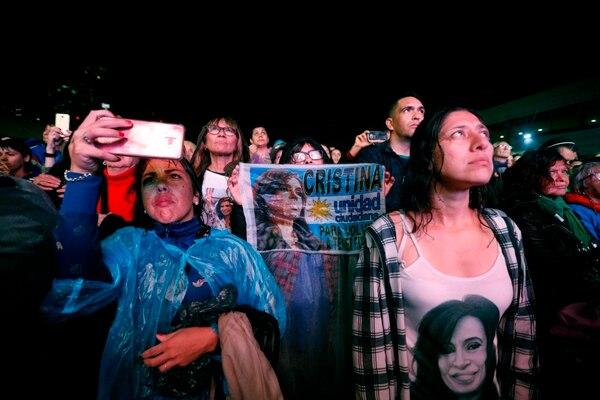 Seguidores de Cristina Fernández asistieron el 9 de mayo del 2019 a la presentación, en Buenos Aires, del libro'Sinceramente', escrito por la exmandataria.