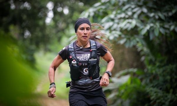 Ligia Madrigal, además de ultramaratonista, es diseñadora gráfica y organizadora de eventos deportivos. Tiene 46 años. Foto: Jeffrey Zamora