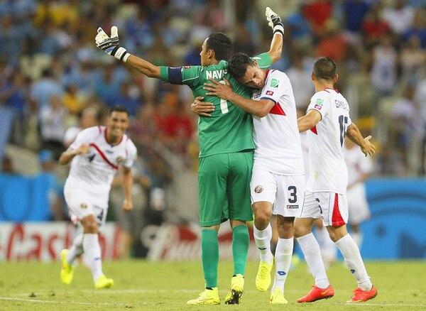 Los seleccionados celebran el triunfoante Uruguay.