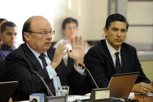 Economistas debaten sobre sistema cambiario que debe seguir Costa Rica - 1
