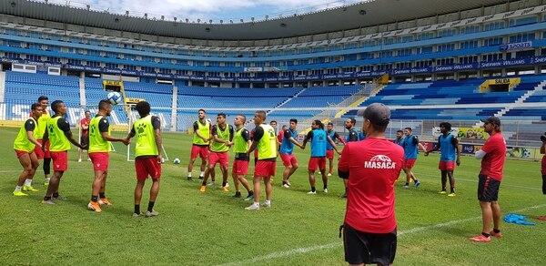 La Liga visitará este miércoles al Alianza en El Salvador, en la última fecha del grupo A de la Copa Tigo Premier Centroamericana. Fotografía: Fanny Tayver