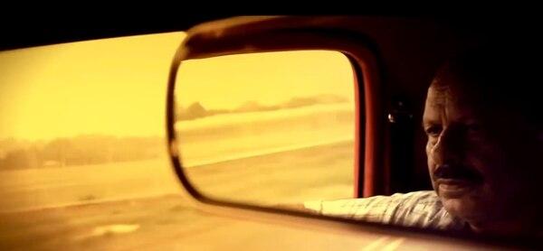 Imagen del videode Estrellame (2010), de Gandhi, dirigido por Marlon Villar.