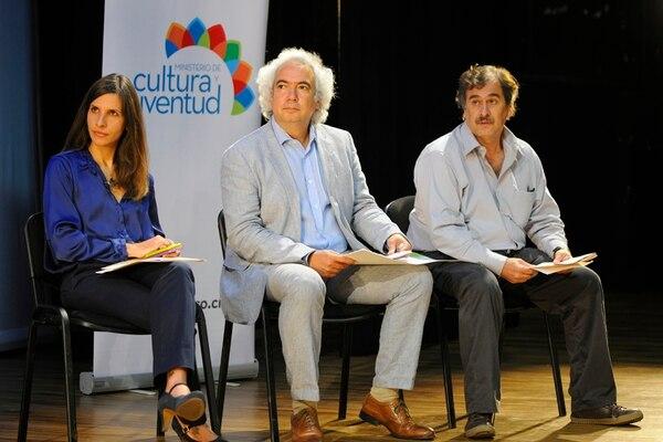 Premios. La viceministra Irene Morales, el ministro Manuel Obregón y el director de Cultura, Ricardo Martínez, anunciaron los fallos este jueves. Eyleen Vargas.