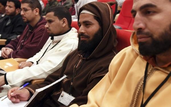 Estudiantes de religión escuchaban al papa Francisco, este sábado 30 de marzo del 2019, en el Instituto Mohamed VI, en Rabat, donde se forma a los imanes.