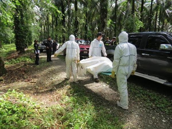 El OIJ levantó el cuerpo y recolectó indicios en los alrededores para determinar el modo de muerte y ubicar a los posibles responsables.