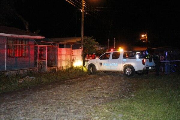 El cuerpo de Leitón quedó en medio de una calle de lastre.