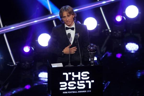 Luka Modric recibe el premio The Best 2018. Fotografía: AP