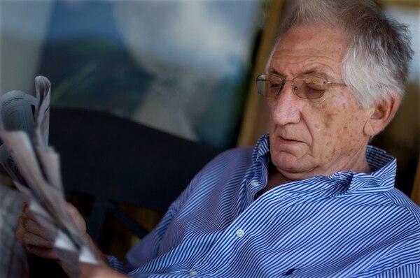 El esposo de Laura Chinchilla, José María Rico, de 78 años, sufrió golpes en el tórax y la clavícula, tras caerse en su casa. | JOSÉ DÍAZ.