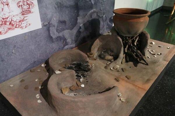 En dos sitios del complejo arqueológico se hallaron entre 40 y 50 hornillas de barro como estas.