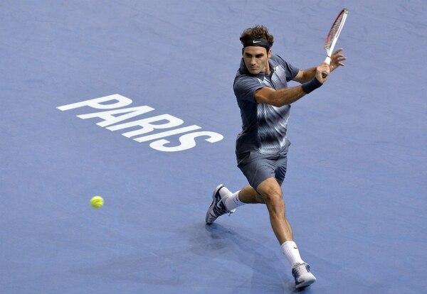 Roger Federer venció a del Potro y jugará la semifinal de Bercy en París ante Novak Djokovic.