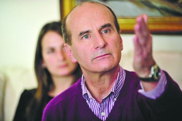 El expresidente Figueres Olsen presentó esta mañana el segundo informe de su proyecto