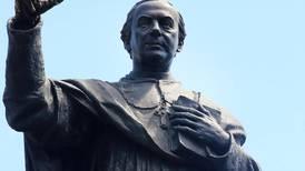 Monseñor Bernardo Augusto Thiel: Un merecido monumento