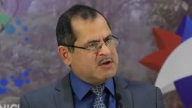 Ministro de Comunicación omitió decir que él fue visitado por sospechoso de narco