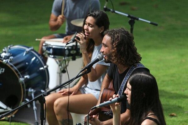 Seis artistas se unieron para realizar este proyecto musical y digital.